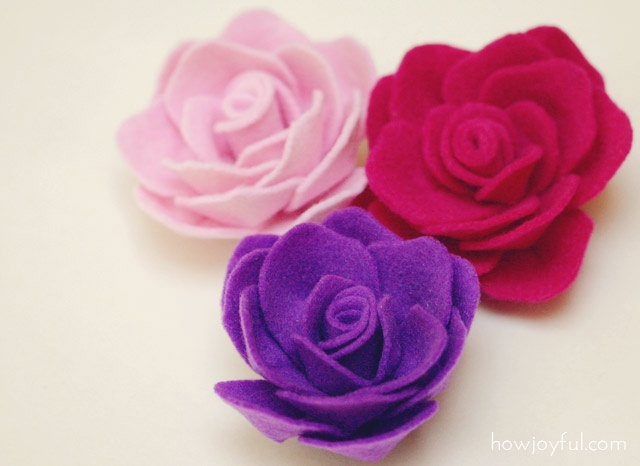 DIY felt roses! I tried these and they were pretty easy to make and came out just as cute!