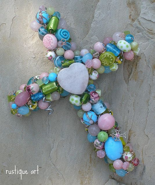 BEAUTIFUL! SOME OF MY FAVORITE COLORS. Beaded Wire Wall Cross | Flickr - Photo Sharing!