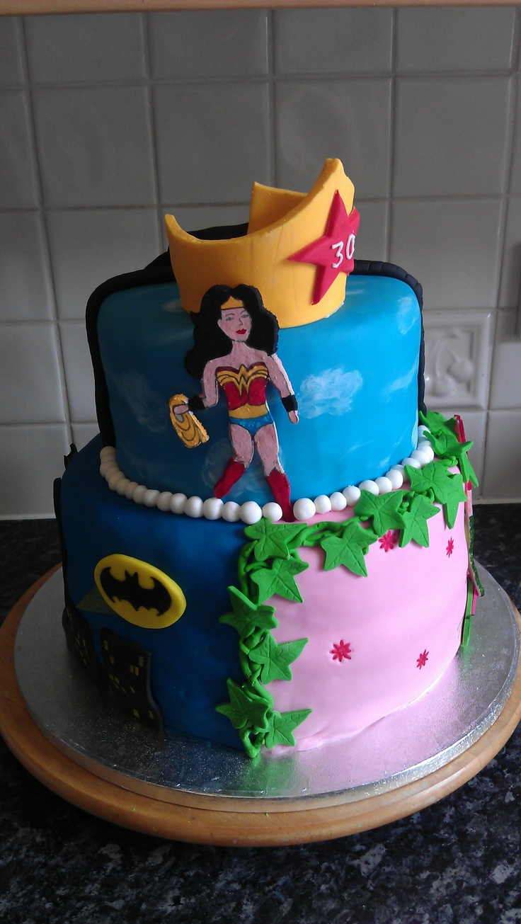 Wonderwoman Catwoman Batgirl And Poison Ivy Cake Xx