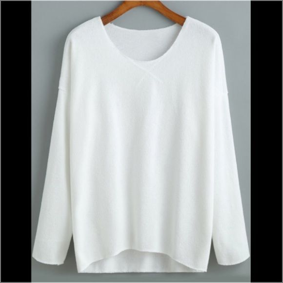 V-neck White tee Cozy casual white V-neck tee. Long sleeve. Perfect for layering. NWOT. Tops Tees - Long Sleeve
