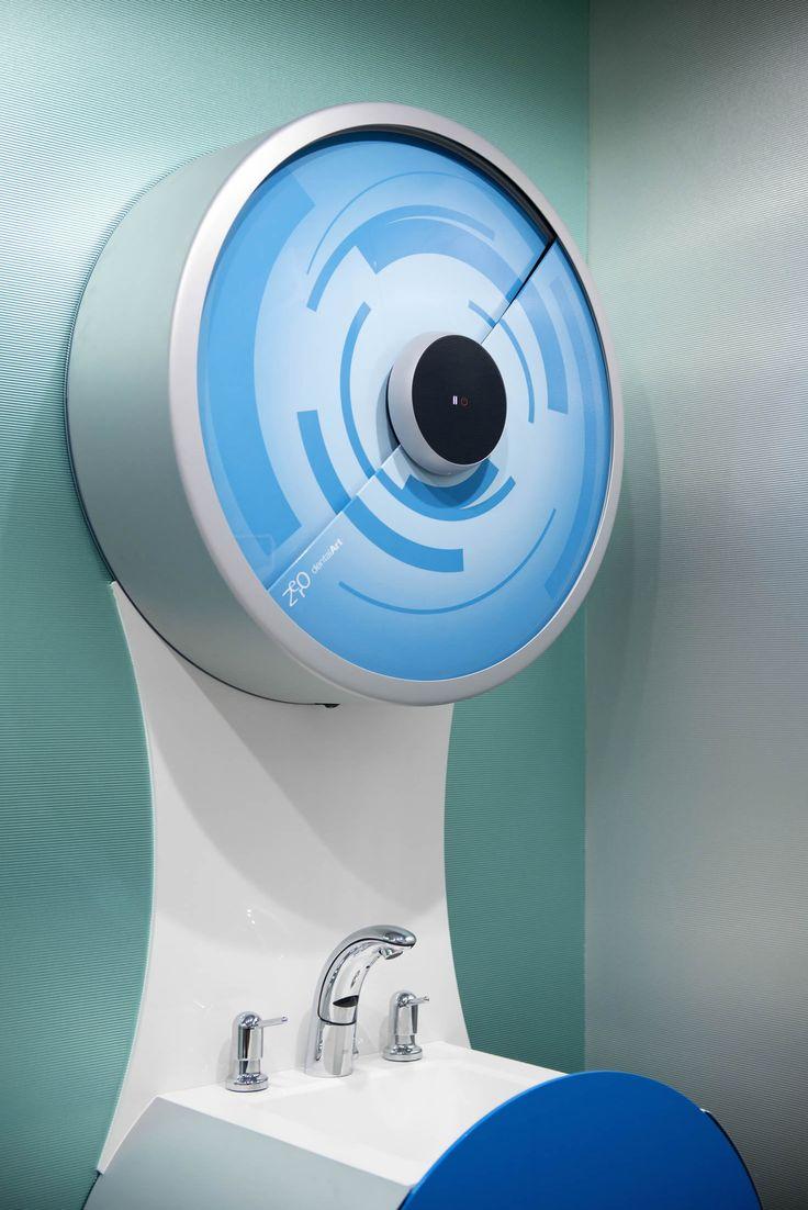 #dentalartitaly #dentaloffice Dispenser for disposable. Touch control.