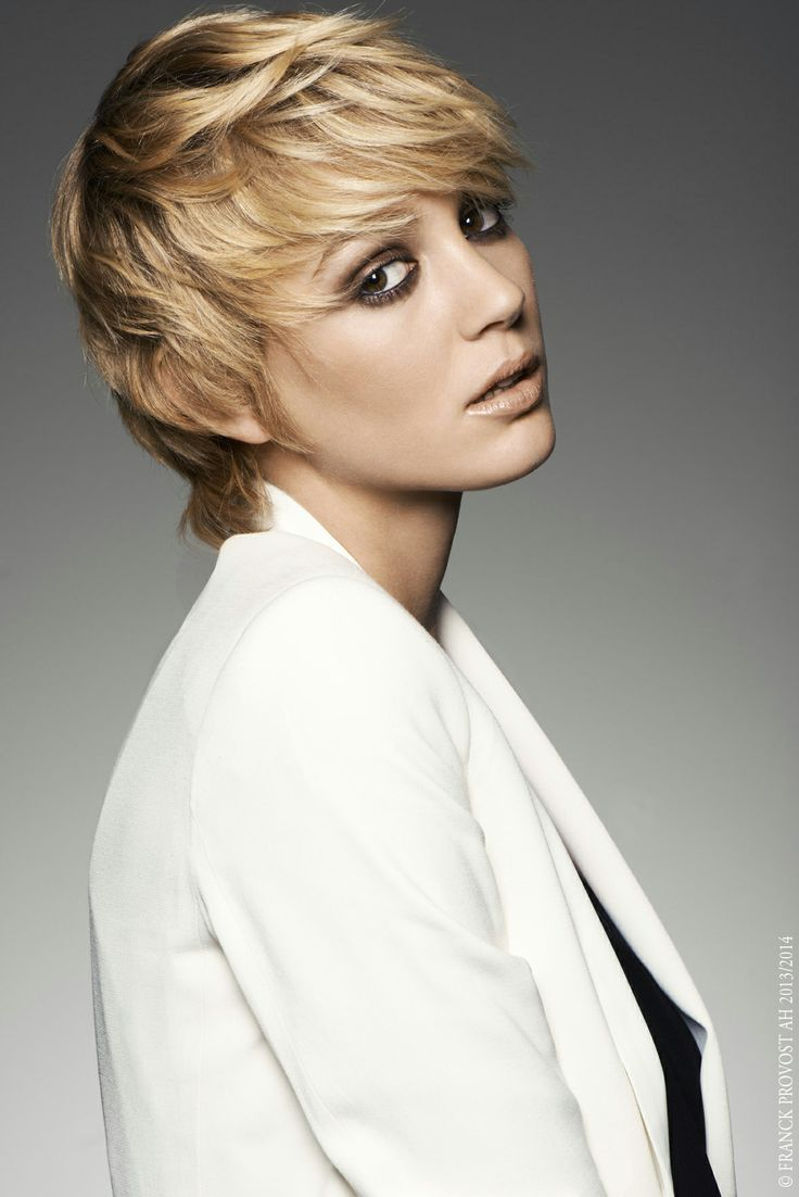 """""""Femme, Femme, Femme..."""" Twiggy inspiration, dare to opt for a short style, making your head appear smaller. The fringe adds depth and texture while emphasising the impish expression in the eyes. #franckprovost #collection #femme #paris #cheveux #hair #cut #girl #chic #glamour #parisienne #couleurprecieuse #balayage2ors Collection Franck Provost"""