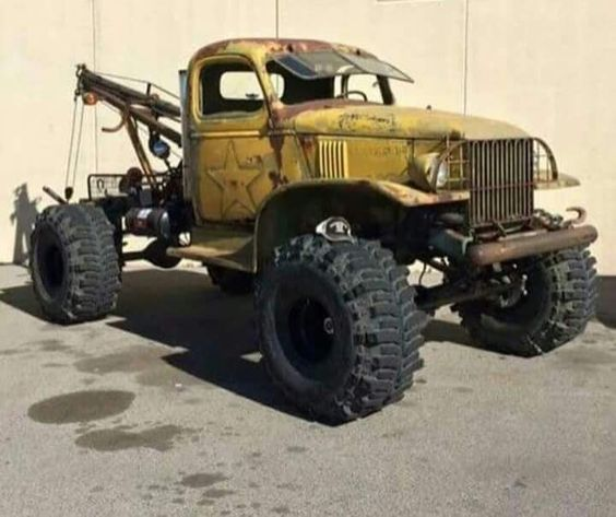 Really awesome Dodge Power Wagon tow truck