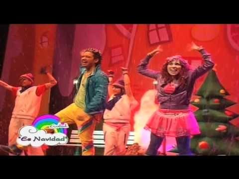 Canción Es Navidad. Juan D y Beatriz CIUDAD ARCOIRIS - YouTube