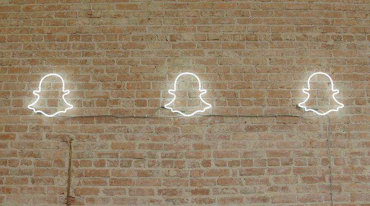 Ahora se puede usar el lente Face Swap de Snapchat con las imágenes guardades en el smartphone