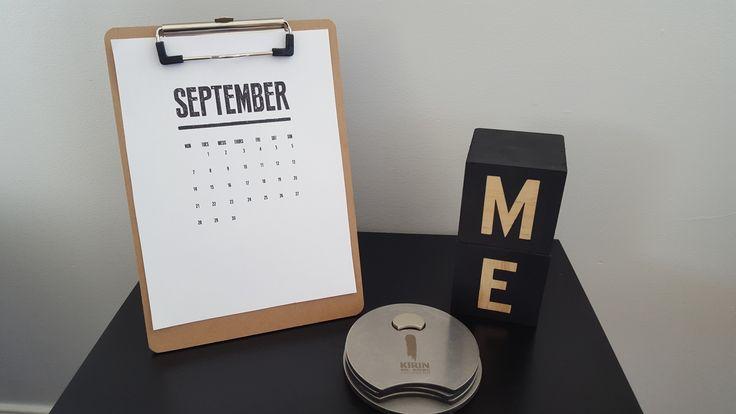 Diy - Clipboard easel calendar!