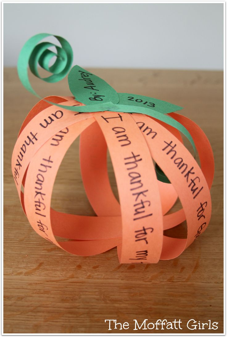 Easy to make I am Thankful Pumpkin Craft!  Write what you are thankful for on the orange strips!