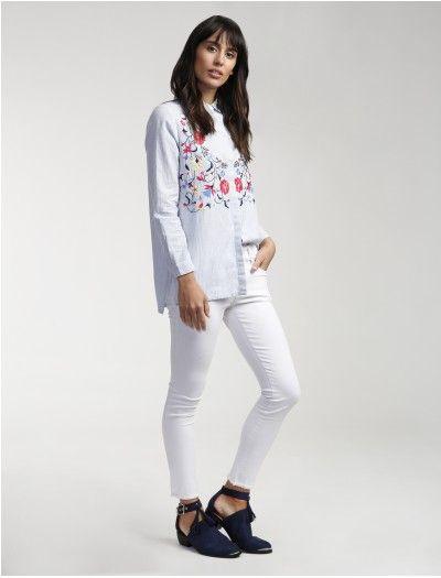 Camisa rayada con bordado floral - lavanda