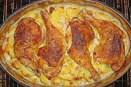 Hähnchenschenkel auf Kartoffelscheiben