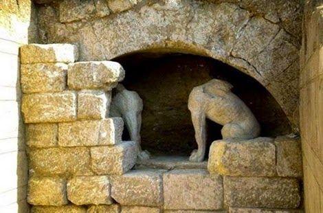 Σκέψεις: Άδειος... ο τάφος στην Αμφίπολη...   Πηγή:www.capi...