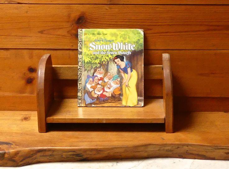 Vintage 1980's Little Golden Book ' Walt Disney's 'Snow White And The Seven Dwarfs No: 103-70 by JessaBellas on Etsy