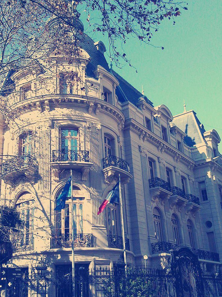Cerrito y Alvear, la Embajada de Francia