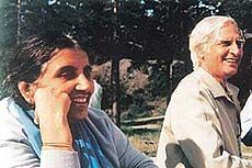 Harcharan Chawla with wife Purnima