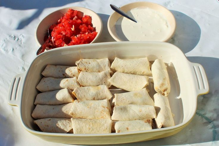 Mini burrito voor op een Fiesta! Mexicaanse verjaardagshapjes & Taco bar buffet