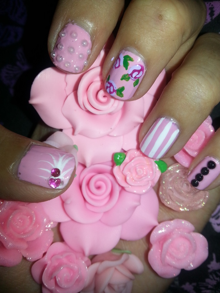 Floral nails :)