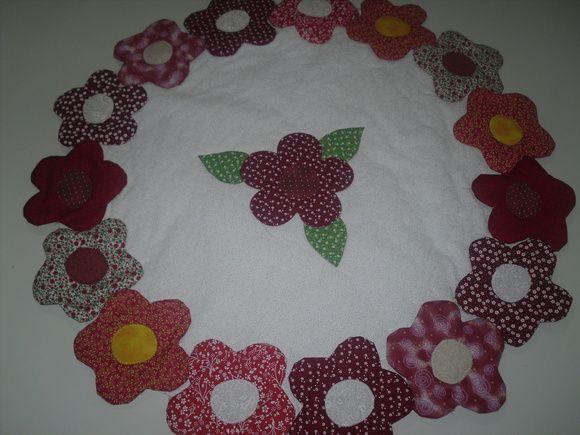 Centro de mesa em patchwork, tecido 100% algodão.