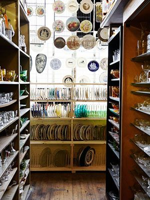 Visit Zaborski Emporium in Kingston, New York, for dishware, wood crates, copper pots and more! #travel #clfair