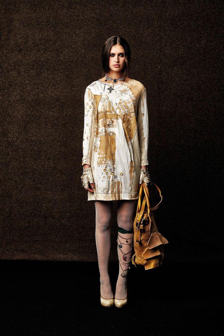 #danieladallavalle #collection #elisacavaletti #fw15 #white #sand #dress #leather #bag