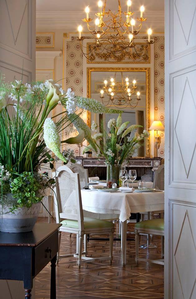 Chateau d'Ygrande, Auvergne | design d'intérieur, décoration, restaurant, luxe. Plus de nouveautés sur http://bocadolobo.com/blog/Categories/boca-do-lobo-news/