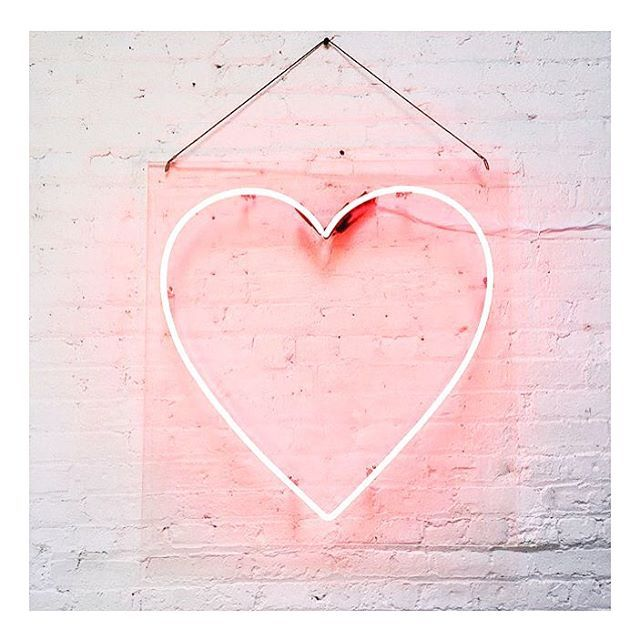 :: INSPO • neon inspo we heart •  via @iveyweddings :: #localcreatives #swoon