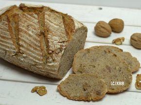 Spelt desembrood met honing en noten, recept, zelf maken, diy, brood bakken, deeg, kneden, oven, zuurdesem, desemstarter, spelt volkorenmeel, ontbijt, lunch