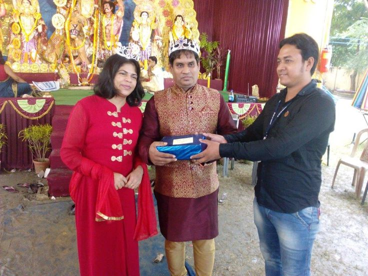Winner of Best Dressed Couple during SBI Life Durga Puja felicitated by our client