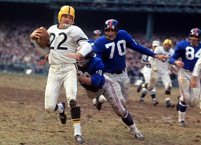 Giants 27, Steelers 24  Yankees Stadium, Nov. 13, 1960  Giants defensive back Jimmy Patton tries to corral Bobby Layne, while Sam Huff (#70) follows in hot pursuit.: Bobby Layne, Nfl Football, Nfl Elites, Nfl Highlights, Nfl Pictures, Corral Bobby, Afl Nfl, Nfl Pics, Classic Nfl