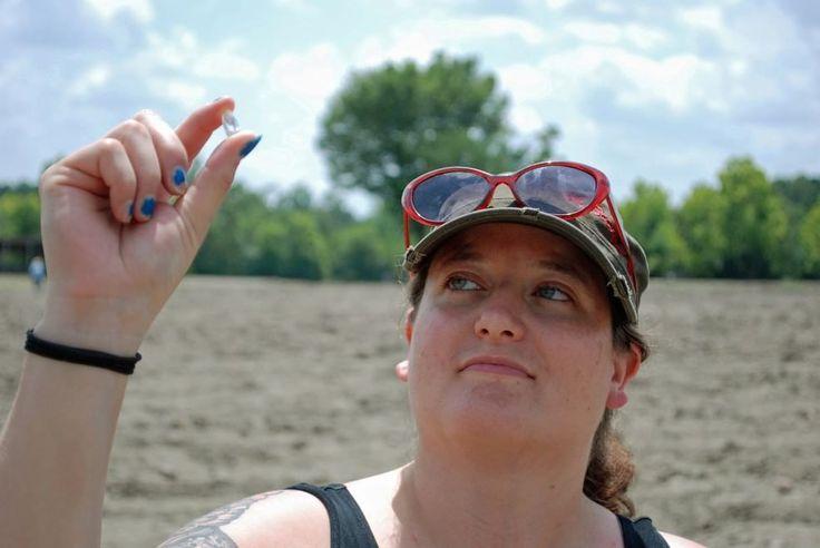Arkansas, donna trova un diamante da 8,2 carati. Così potrà rifarsi la manicure