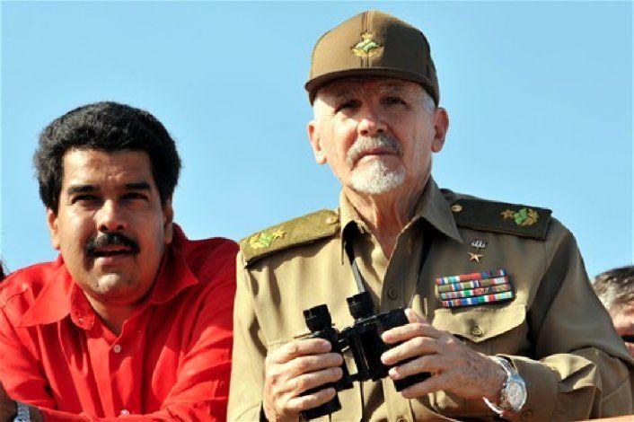 Cuba controla lo que pasa en Venezuela a través de un centro de escuchas