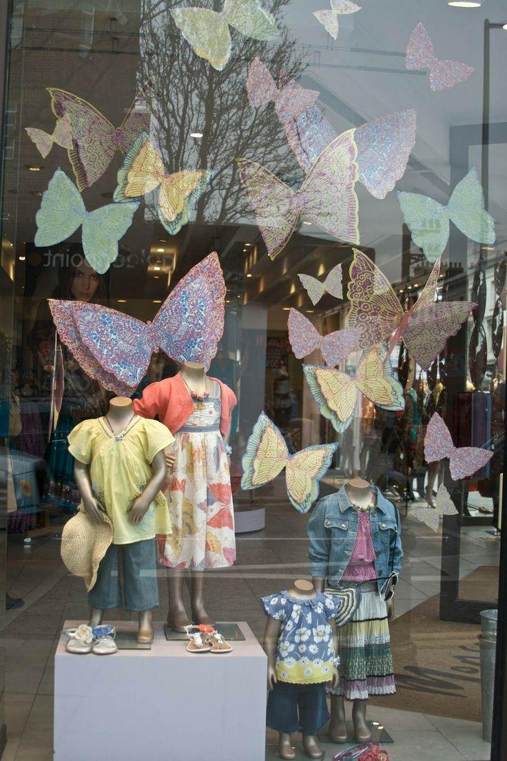 Grace Mayer: Shop Windows!  Inspiration fuer Sockel, www.sockelwebshop.de