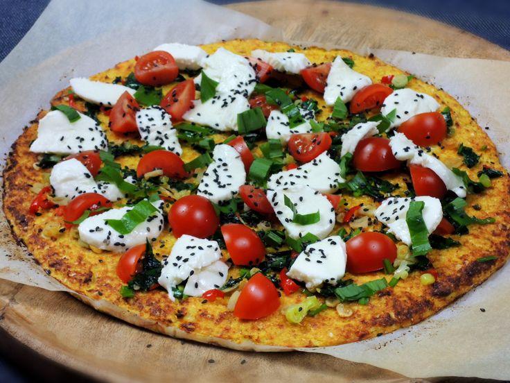 Recept na Bezlepková pizza z květáku s medvědím česnekem z kategorie snadno a rychle, fitness, pro začátečníky, vegetariánské, bezlepkové: Na koláč...