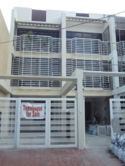Townhouse For Sale in Ecopark Subd. East Fairview QC Price:6,900,000 For more properties for sale in Quezon City,visit: http://metrohouses.net/ Like Metrohouses on Facebook: https://www.facebook.com/metrohousesrealty Follow us on Twitter: https://twitter.com/metrohouses Follow us on Instagram: https://instagram.com/metrohouses/ Check out our latest videos on Youtube: https://www.youtube.com/channel/UChrYdHF9q-u0OVYuf320lUg Contact us: http://metrohouses.net/contact-us-3/