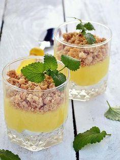 Recette Verrine crumble citron http://www.marmiton.org/recettes/recette_verrine-crumble-citron_170793.aspx