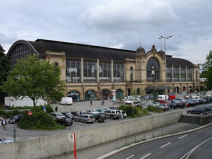 Dammtor Station