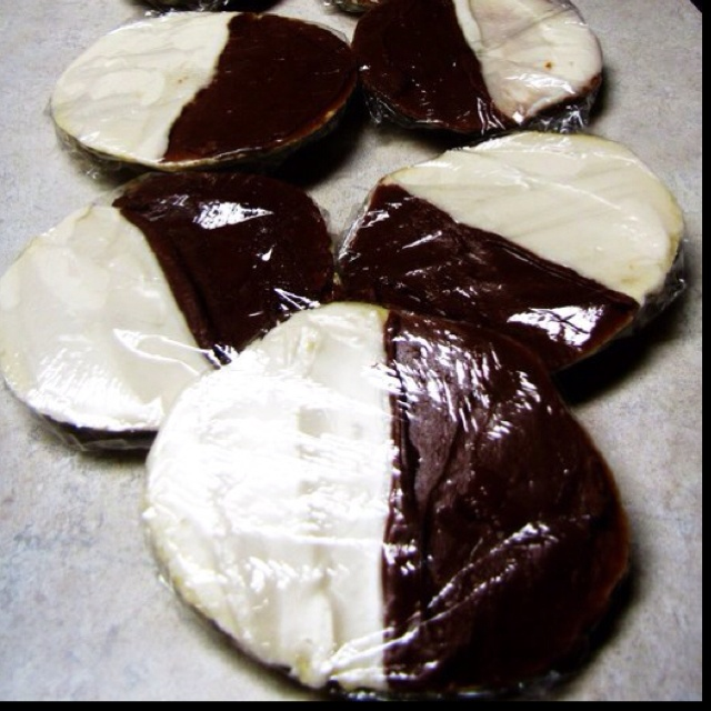 ... | Pinterest | Black And White Cookies, Black And White and Cookies