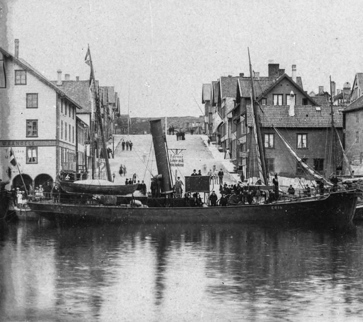 http://digitaltmuseum.no/011013106867/gallery?query=hvalbåt haugesund