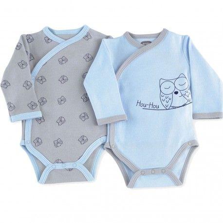 On a craqué pour ce lot de 2 bodies bébé croisés avec motifs hibou. Indispensable dans la valise maternité pour les premiers jours de bébé