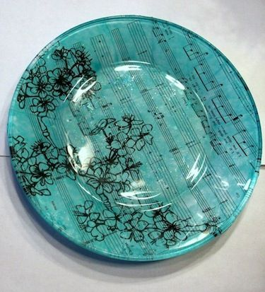Using hodge podge to apply photos onto glass be it plates, vases, or sea glass to make artwork or jewelry. Definitely going to try.