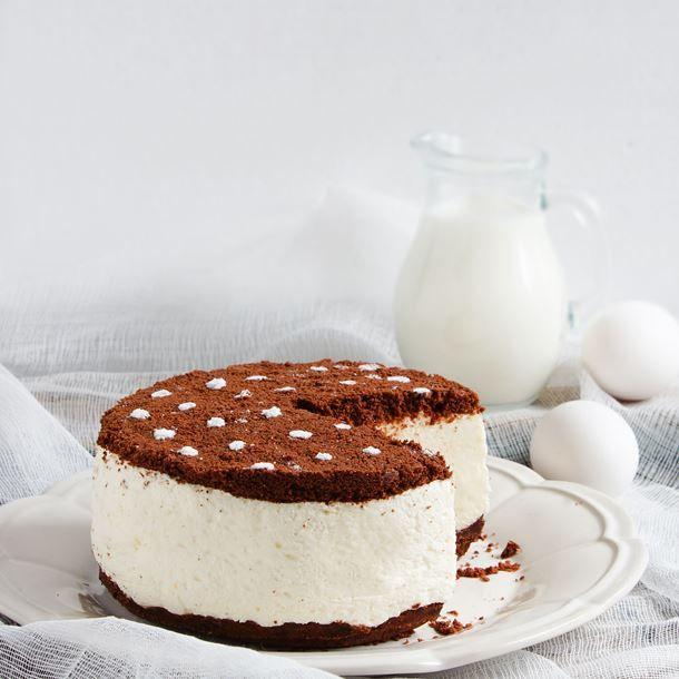 Gâteau mousseux au chocolat blanc et Oreo®