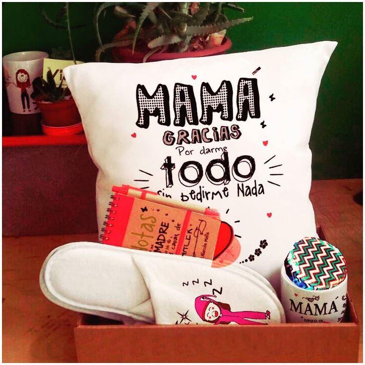 """Pack """" Descansa Mama! """" por que ellas merecen que todos los dias  sean atentidas como  ... funda mas cojin40x40  pantuflas  tazon  libreta alfajor !! Todo para un dia de regaloneos!!$14.000  Todos los diseños personalizados como tu quieras"""