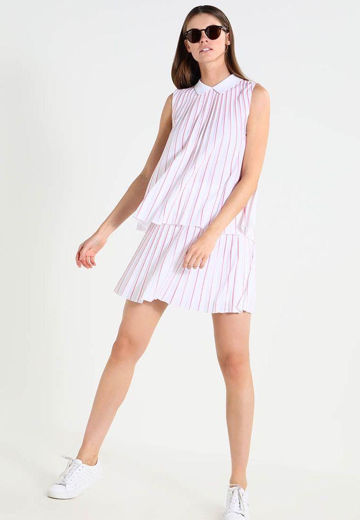 ¡Cómpralo ya!. Lacoste Blusa white/sirop pink. Lacoste Blusa white/sirop pink Ofertas   | Material exterior: 100% poliéster | Ofertas ¡Haz tu pedido   y disfruta de gastos de enví-o gratuitos! , blusas, blusa, blusón, blusones, blouses, blouse, smock, blouson, peasanttop, blusen, blusas, chemisiers, bluse. Blusas  de mujer color rojo de Lacoste.