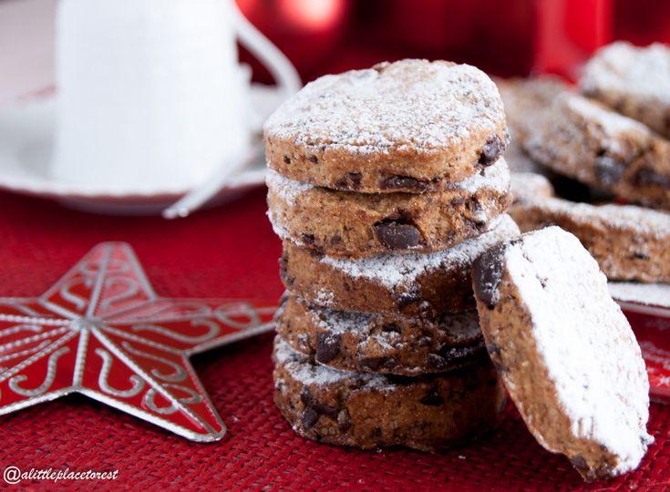 Biscotti con farina di castagne e cioccolato (senza uova)