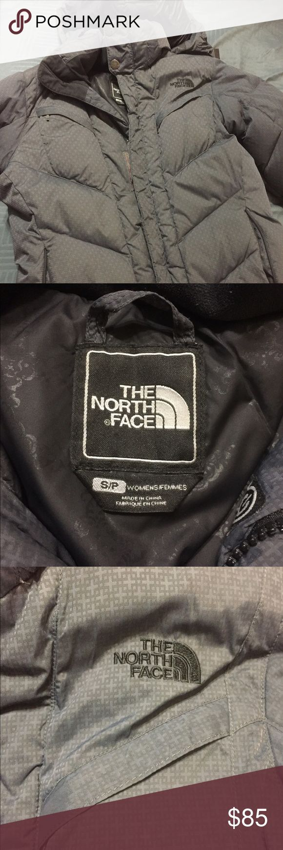 The north face women's coat Very warm north face women's puffer coat. Size small. Grey. Great condition North Face Jackets & Coats