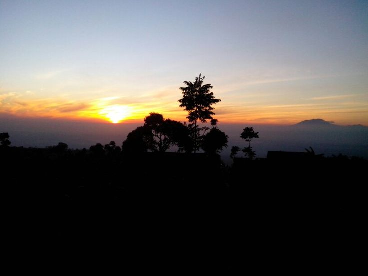 Cloudy sunrise but it was still awesome with Mount Lawu a lot like floating in the clouds #Suroteleng #Selo #Boyolali #sunrise