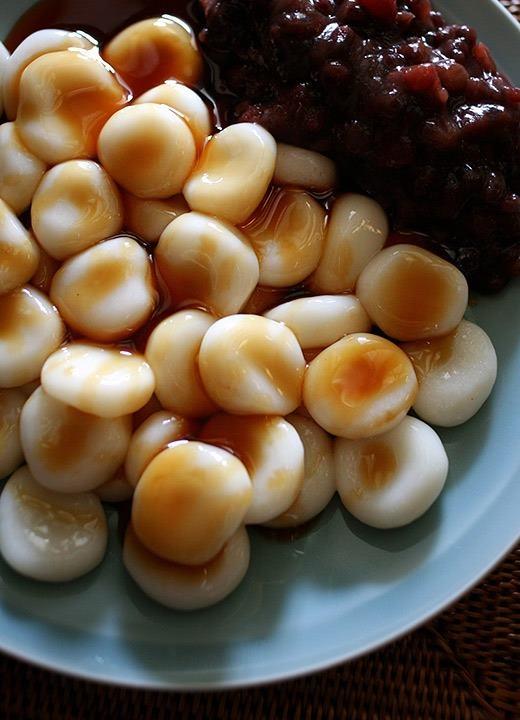 Shiratama - Japanese rice-flour dumplings with sweet syrup