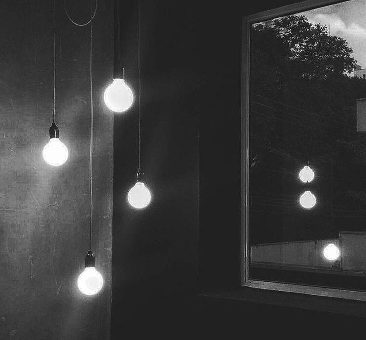 Little lights / Instagram: @catsonfire