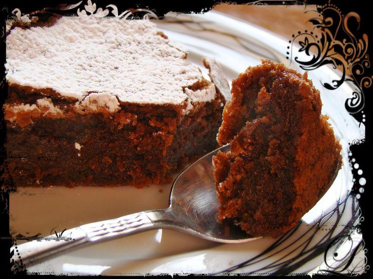Ζουμερό,πεντανόστιμο και πολύ πολύ εύκολο αυτό το νηστίσιμο σοκολατένιο κέικ με ταχίνι!Και πως να μην είναι άλλωστε αφού την συνταγή τ...
