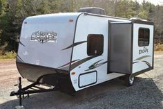 2016 New Kz SPREE ESCAPE 196S Travel Trailer in Pennsylvania PA.Recreational Vehicle, rv, *** SUPER ULTRA LITE WITH BUNKS *** Most popular unit under 3500 lbs*** IN STOCK *** Super Ultra Lite with slide and bunks! The Spree Escape by KZ gives you the space and features you desire when towing weights are a concern. By keeping quality the priority, these units are built to last! You will find just what you are looking for with 16 floor plans ranging from 16'-27' in overall length, sleeping…