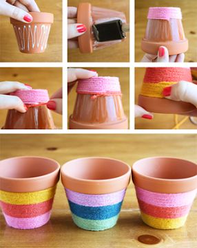 DIY - How to decorate pots.  With this mini DIY tutorial you will learn to make beautiful decorated flowerpots. You only need a few small pots, wool or wire brush and glue. Ideal gift or treat yourself.  via http://manualidadespap.com/como-hacer-macetitas-decoradas/