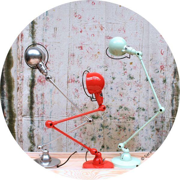 Lampe de bureau à poser Signal par Jieldé en vente sur serendipity.fr http://www.serendipity.fr/lampe-a-poser-Signal/8-2378/p